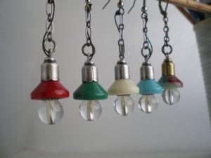 ランプのピアス