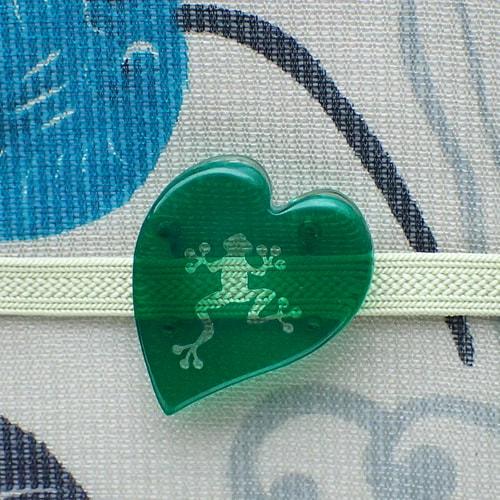 蛙リーフ帯留め 濃緑