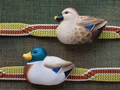 鴨の帯留め手彩色