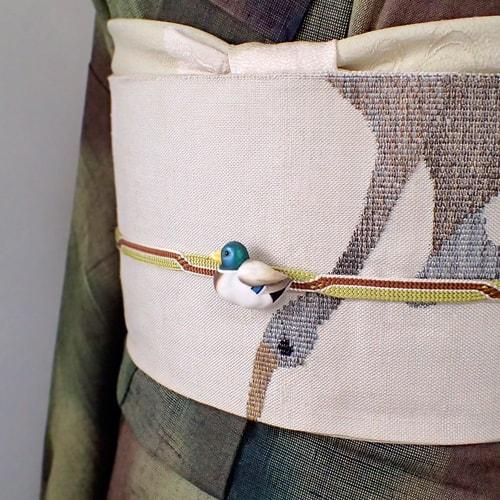 鴨の帯留め手彩色マガモ着物