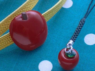りんご帯留と根付のセット