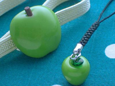 青りんご帯留めと根付のセット