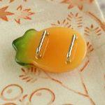 万寿菊帯留(橙) 裏面
