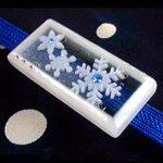 アイスブルーの雪の結晶帯留(四角 クリア)