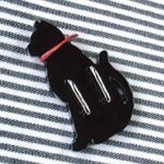 黒猫帯留(むこう向き) 裏面
