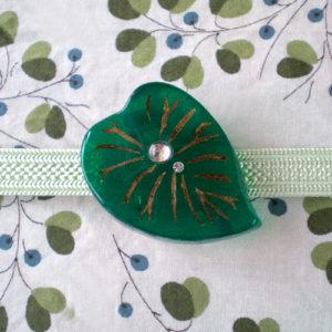 ハートリーフの帯留 濃緑 正面