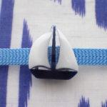 ヨットの帯留 白×紺 正面