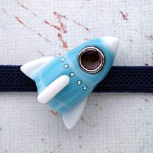 ロケット帯留 白×水色 正面