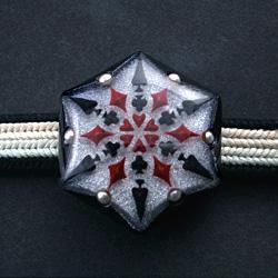 トランプ結晶帯留 黒 正面