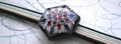 トランプ結晶帯留 黒