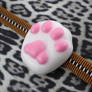 肉球帯留め 白猫