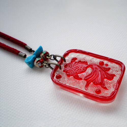 レリーフ金魚のペンダント(赤 薄い目)TOPアップ