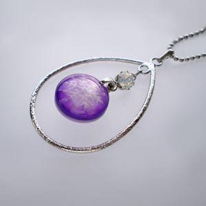 立体の雪の結晶ペンダント 紫色