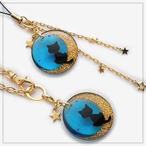 月夜猫のチャーム(ブルー)バックチャームとストラップ チャーム部分拡大