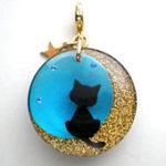 月夜猫のチャーム(ブルー)チャーム部分拡大