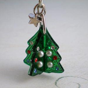 クリスマスツリー根付雪の結晶 雪の結晶柄パーツ部分拡大