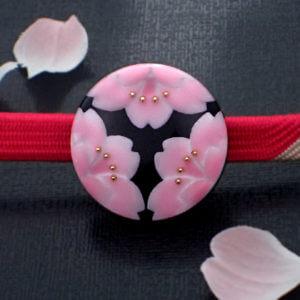 三つ割り桜の帯留 グラデーション 正面