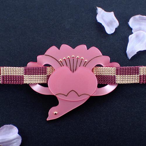 桜鶴の帯留め 正面