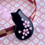 猫桜の帯留め 黒