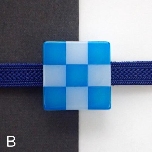 市松帯留めカラーブロック色違い B グラデ青×半透明白 試作品