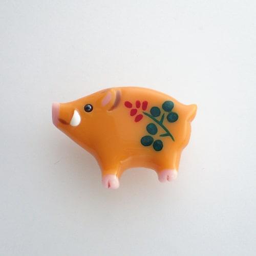 猪の帯留め 萩文様
