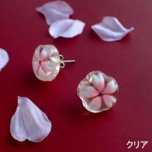 おぼろ桜のシンプルピアス クリア