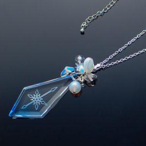 氷の剣の結晶ペンダント