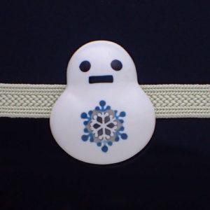 雪だるまの帯留め結晶柄お色違い 正面図